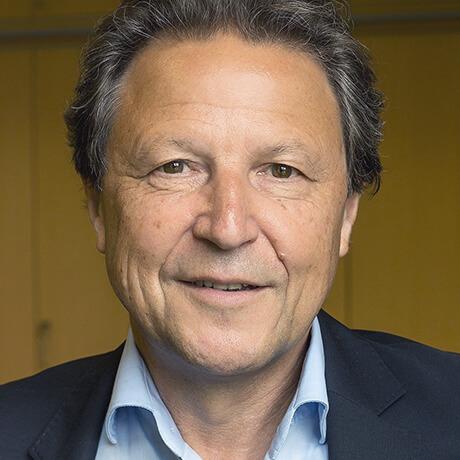 Rainer Schmidt, Direktor des Schiller Gymnasiums